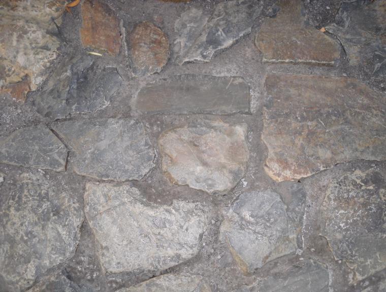 Moyie Rust Iron Rock Natural Lego Block Retaining Wall